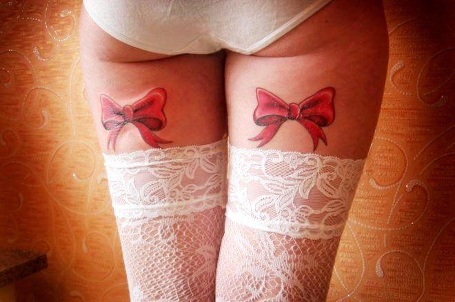 бантики на ногах цветные