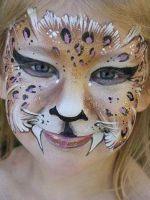 Как на лице нарисовать кошку?