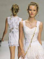 Белое платье на выпускной