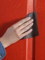 Как отреставрировать старую дверь?