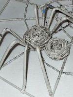 Как сделать из бумаги паука?
