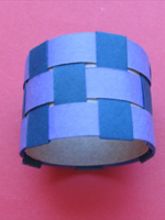 Как сделать кольцо из бумаги?
