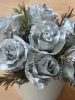 Как сделать розу из фольги?