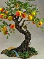 Яблоня из бисера