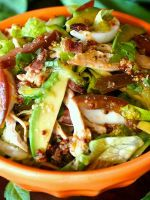 Салаты с авокадо - простые рецепты