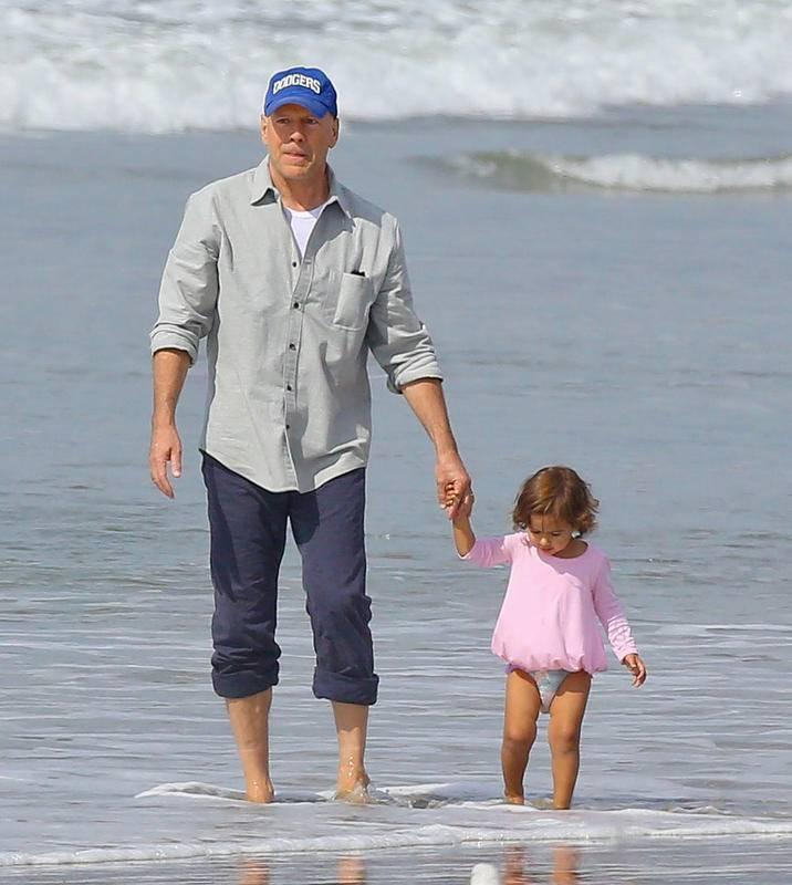 Брюс Уиллис с ребенком