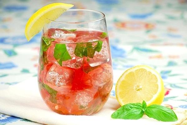 Strawberry-Rose Spritzer Recipe — Dishmaps