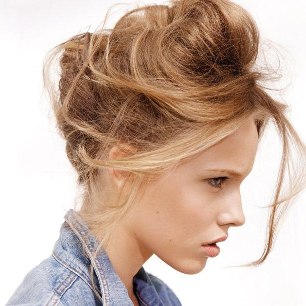 неаккуратные прически на средние волосы