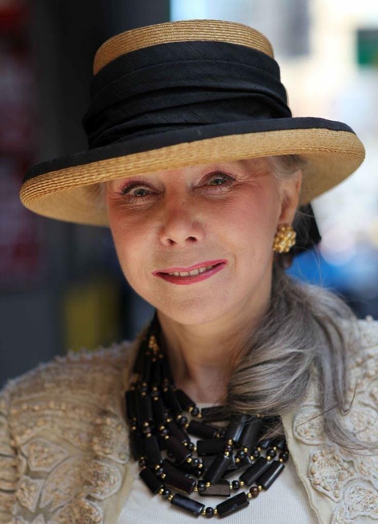 знакомство с женщиной 55 70 лет