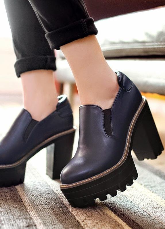 зимние ботинки на тракторной подошве женские