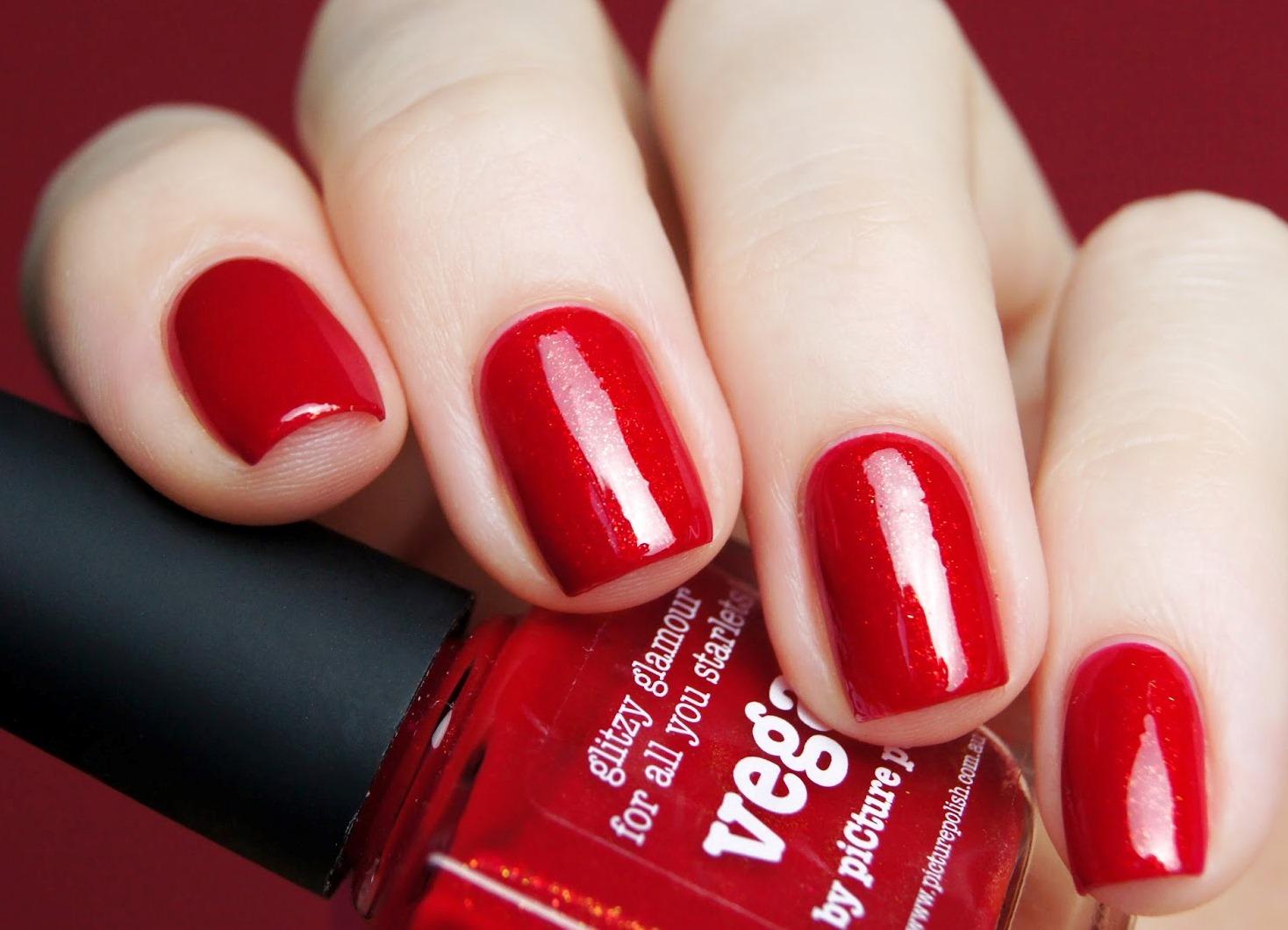 Красный маникюр с красным лаком фото