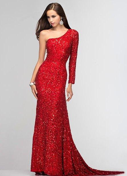 Платье из красных пайеток