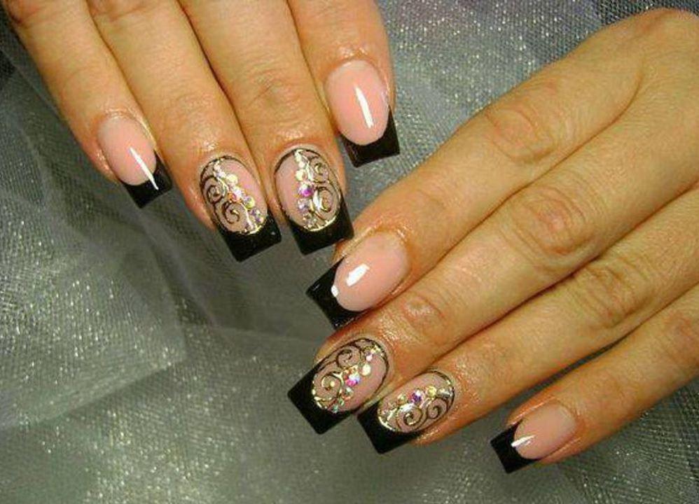 Литьё золотом на ногтях