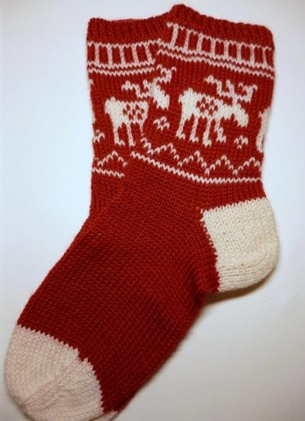 Как связать носки с оленями