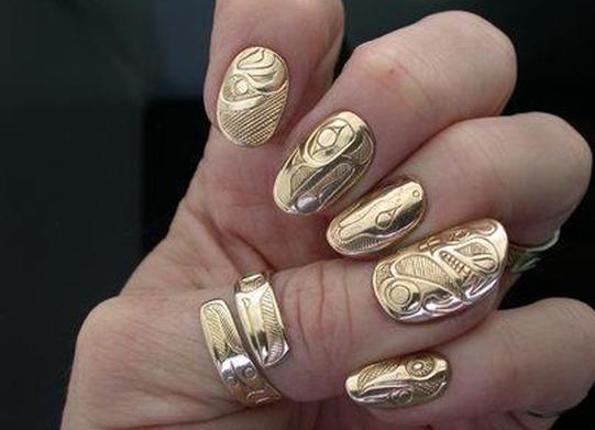 Литье на ногти