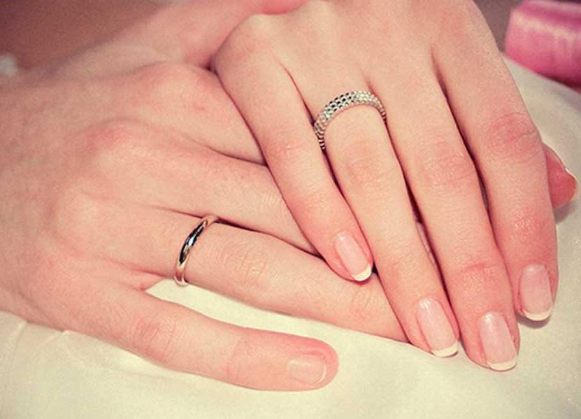 Серебряные кольца обручальные санлайт