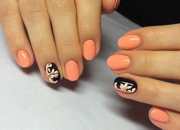 Персиковый цвет в маникюре