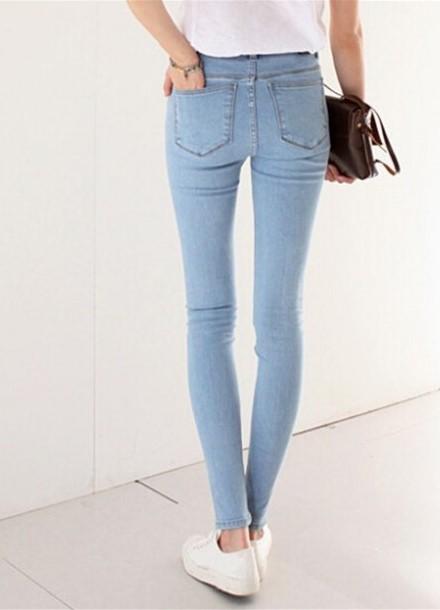 Девушки в белых джинсах в аблипку