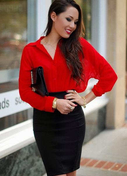 Красная блуза с запахом