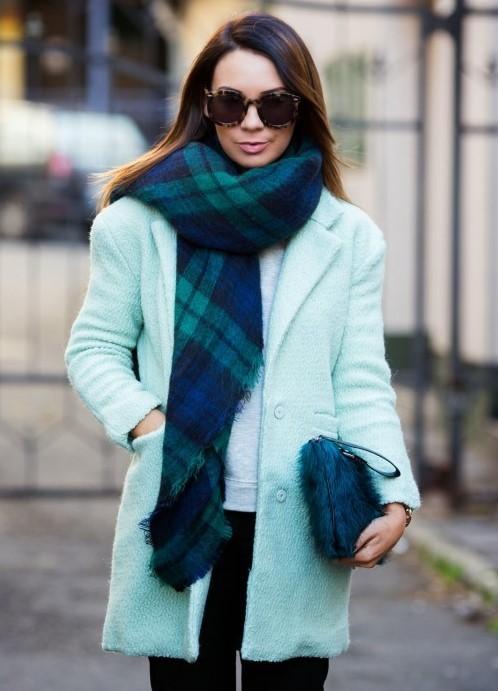 с чем носить мятное пальто фото
