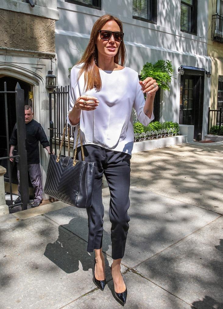 Анджелина Джоли весит всего 35 кг! анджелина джоли и брэд питт