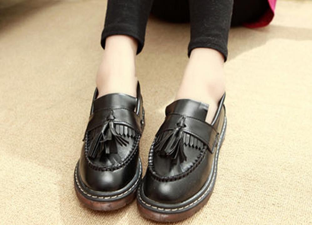 Лоферы – актуальная женская обувь