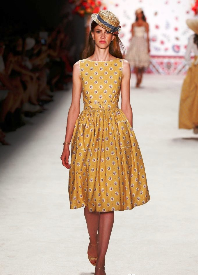 Мода платья лето