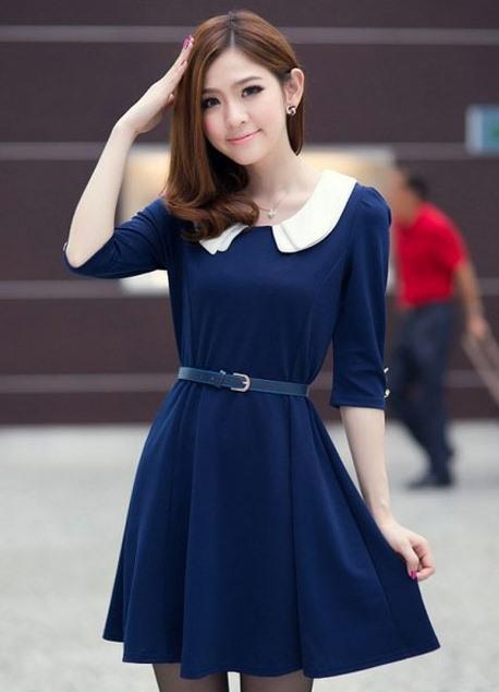 Темно синее платье с воротником фото