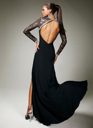 Вечернее черное платье с открытой спиной
