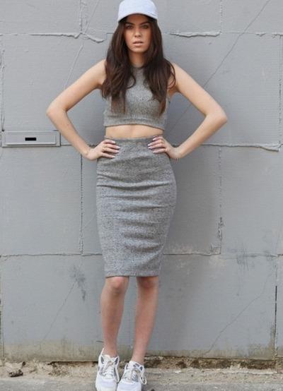 Что одеть под серую юбку карандаш