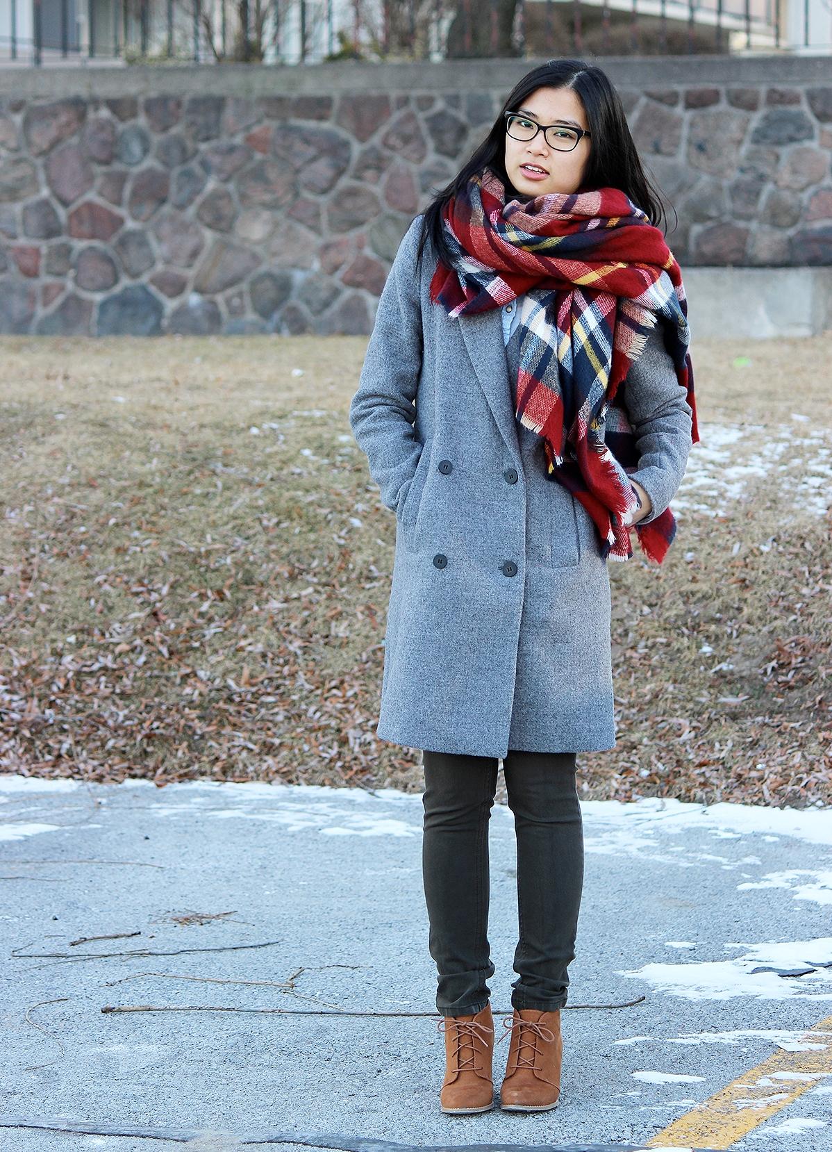 какой шарф к серому пальто фото