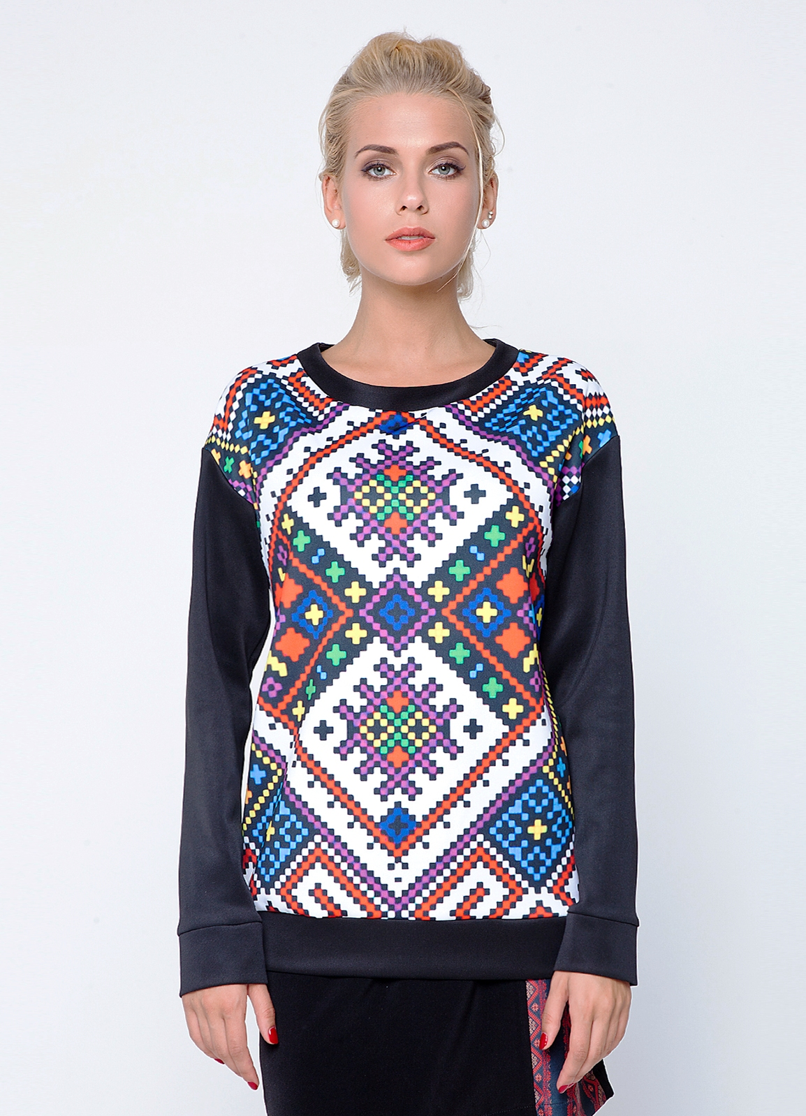 Женские свитера модные
