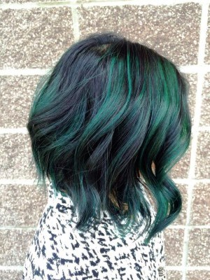 Черно-зеленые волосы