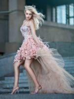 Платье со шлейфом – самые красивые и шикарные модели