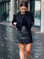 Черный бомбер – модные луки с черной курткой бомбер – с чем его носить?