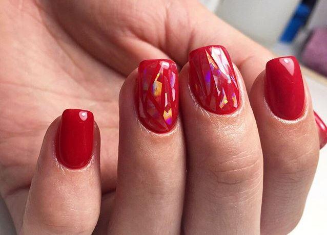 Слоятся ногти причина и лечение