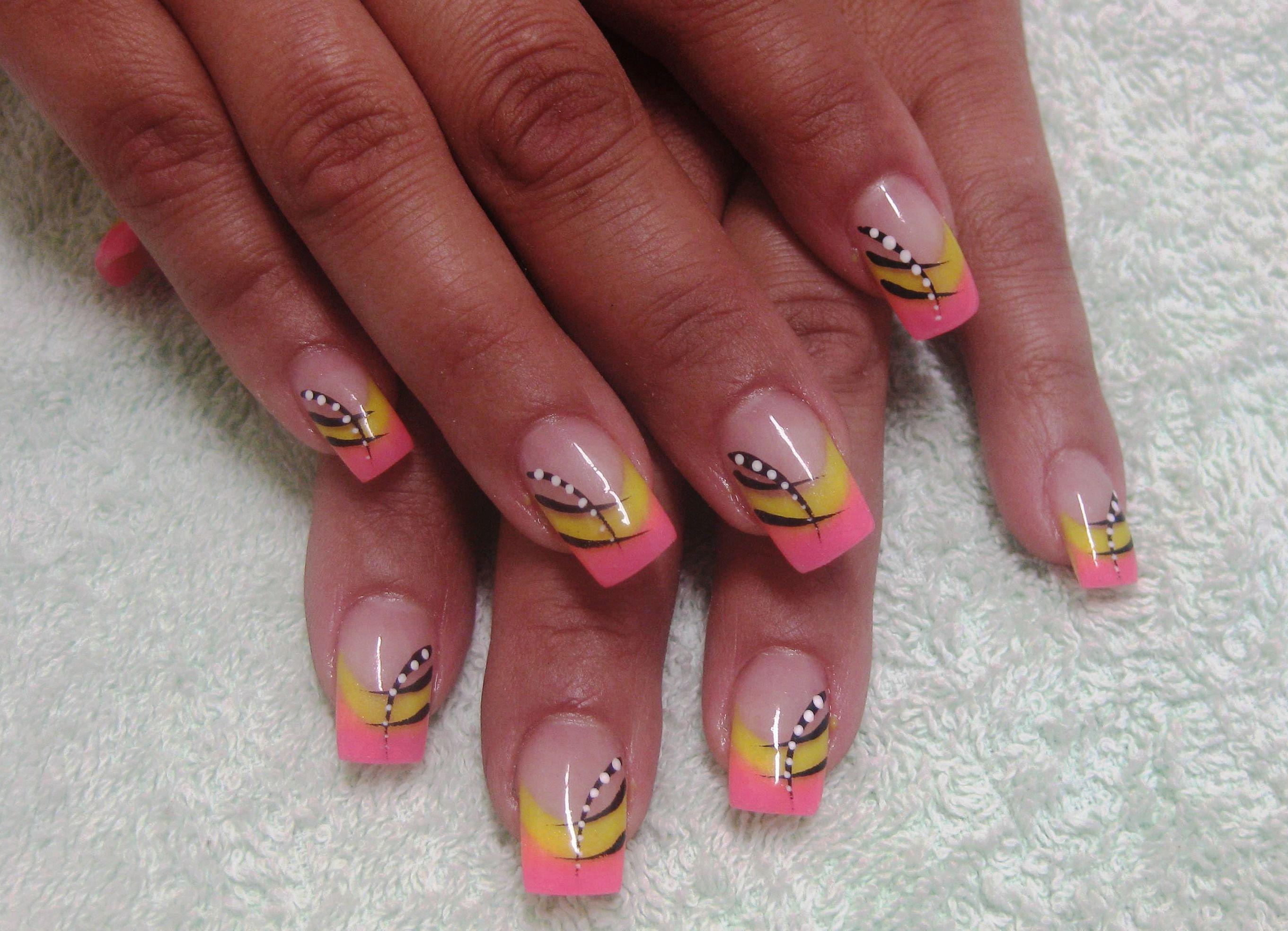 Нарощенные ногти френч с рисунком лето