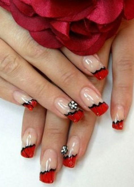 Нарощенные ногти с красным цветом