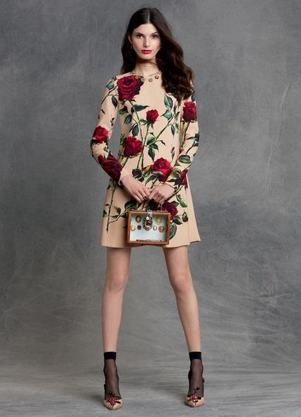 Платья дольче габбана черное с розами