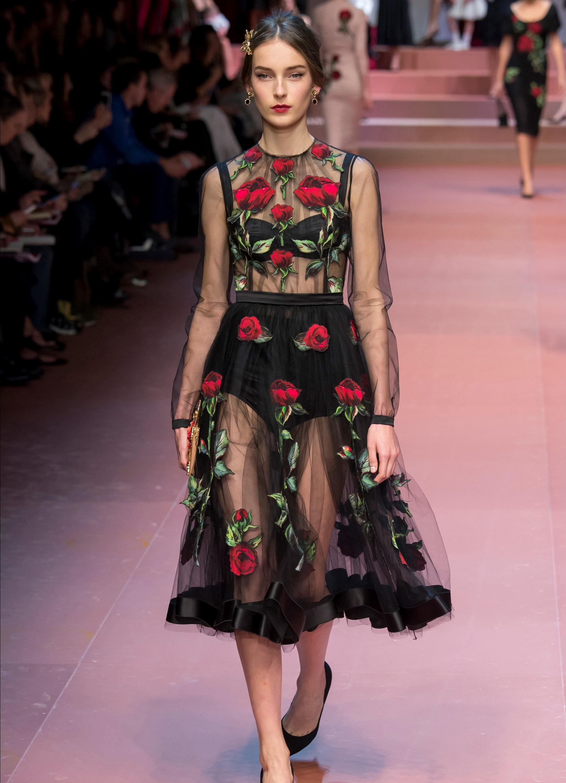 Платья дольче габбана с розами фото