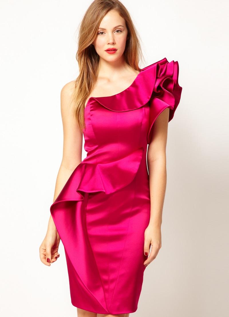 Платье на одно плечо для полных