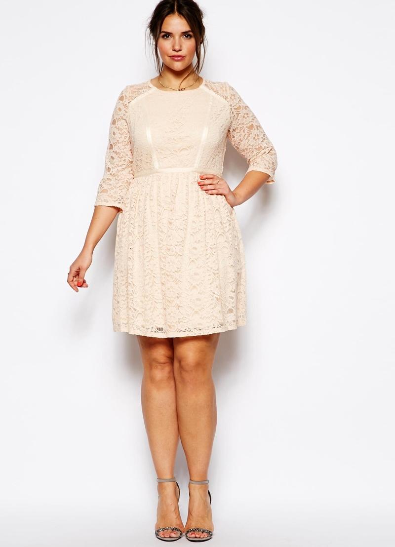 Кружевное платье на полную фигуру