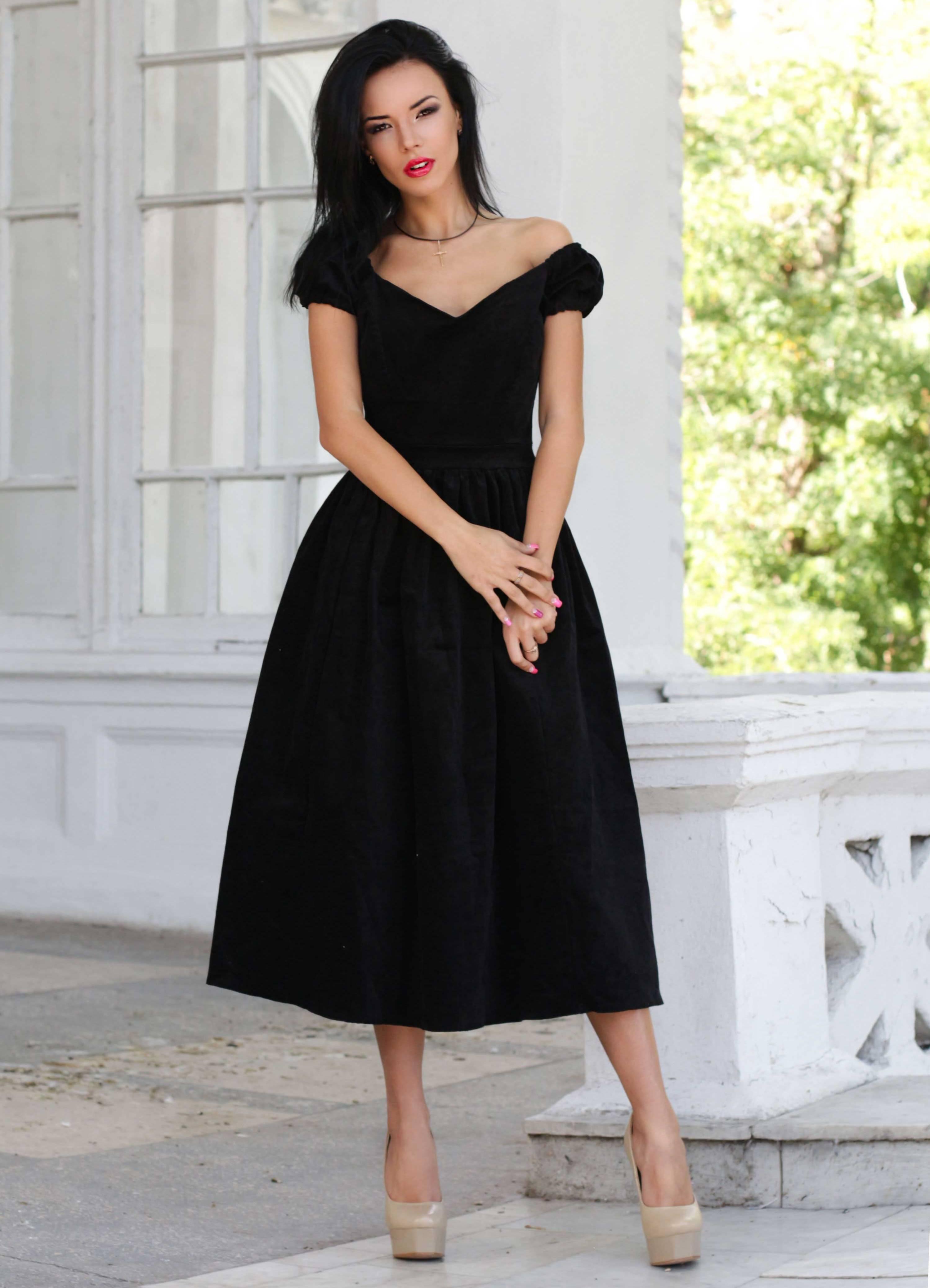 Платья юбки доставка