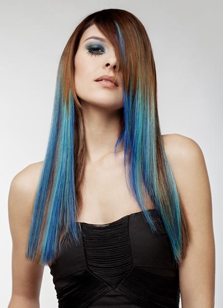 Волосы с синими прядями