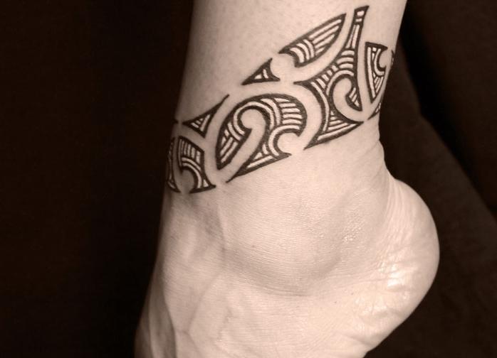 татуировки девушек ноге виде