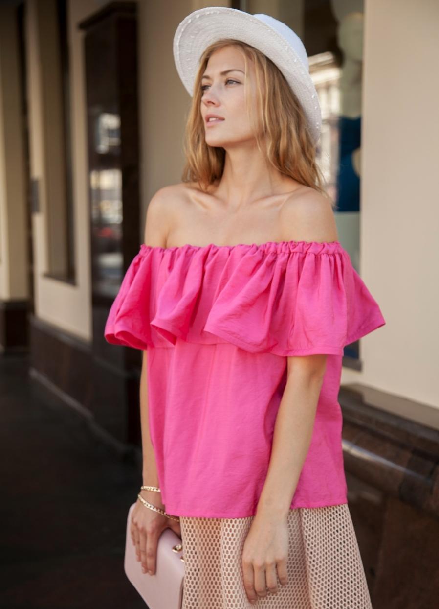 Блуза с открытыми плечами и воланом своими руками Дизайнерская одежда 65