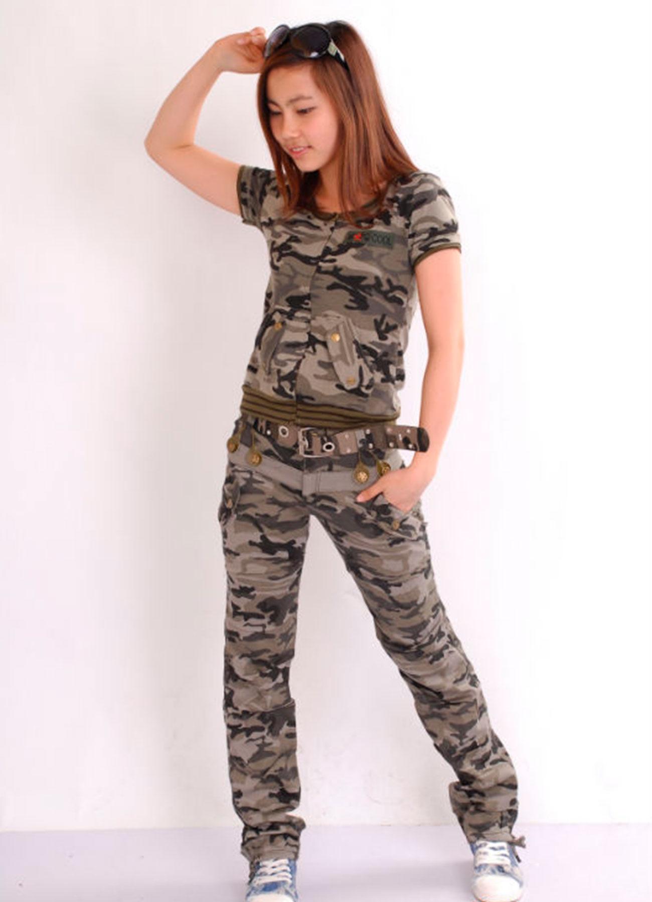 Спортивный костюм камуфляж женский