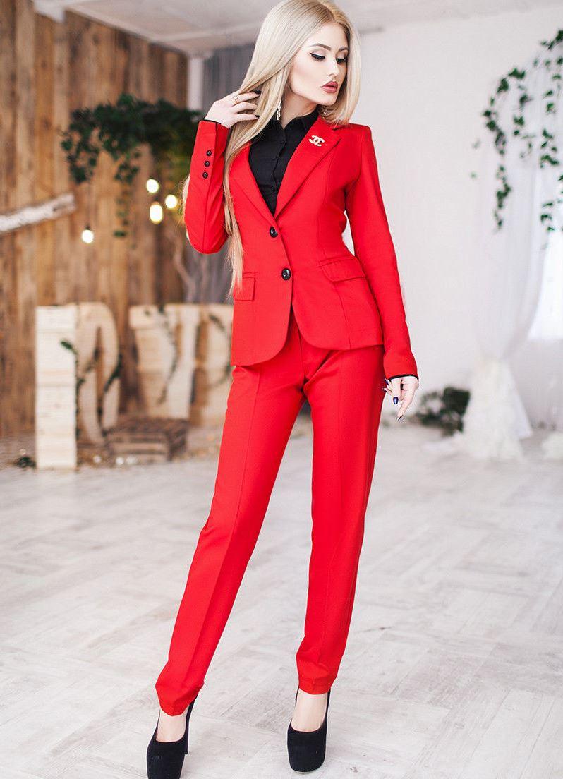 Костюмы красные женские