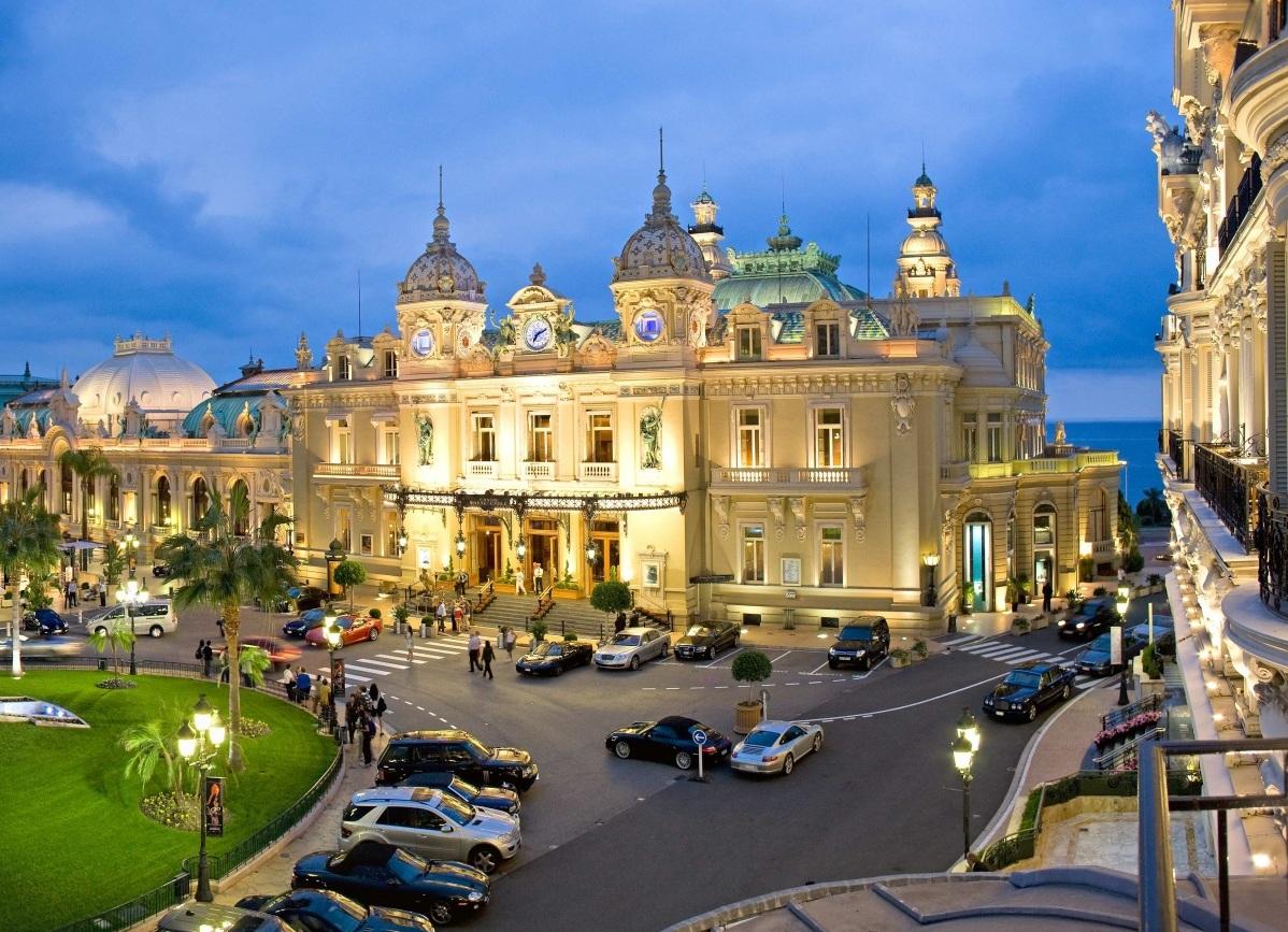 Как нужно одеваться в казино монако когда закрываеться казино кристалл