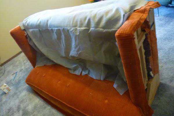Чем освежить диван в домашних условиях 188
